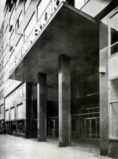 Administrativní budova pojišťovny Merkur v Praze - foto: archiv redakce