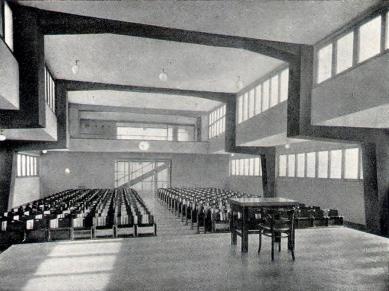 Francouzské školy - Aula - foto: archiv redakce