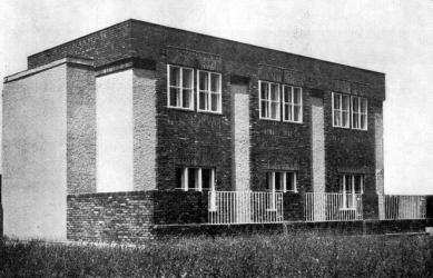 Administrativní budova firmy Tauber - foto: archiv redakce