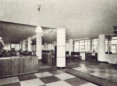 Správní budova Baťových závodů  - Typické kancelářské patro - foto: Bruner-Dvořák, Praha / archiv redakce