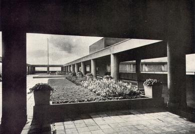 Správní budova Baťových závodů  - Střešní zahrada - foto: Bruner-Dvořák, Praha / archiv redakce