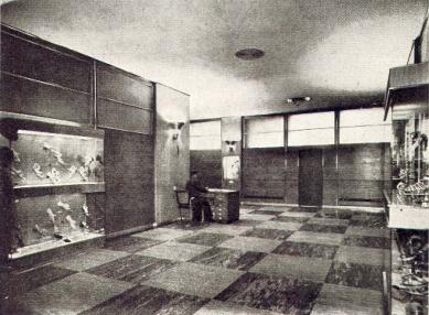 Správní budova Baťových závodů  - Vstup do ředitelny - foto: Bruner-Dvořák, Praha / archiv redakce