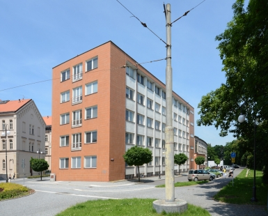 Budova pošty a telegrafu, dnes okresní úřad - foto: Petr Šmídek, 2013