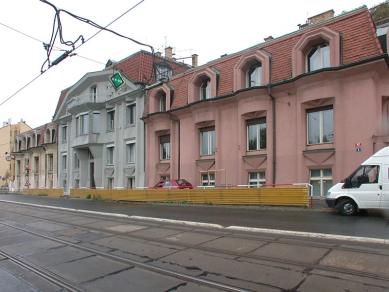 Kubistický trojdům - foto: © Petr Šmídek, 2005