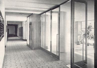 Domy Zemské banky - Skleněný palác - Vstupní chodba - foto: archiv redakce