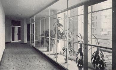 Domy Zemské banky - Skleněný palác - Chodba - foto: archiv redakce