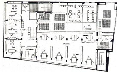 Městská spořitelna v Třebíči - zvýšené přízemí - foto: archiv redakce