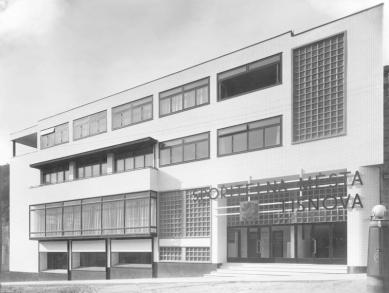 Městská spořitelna v Tišnově - foto: archiv redakce