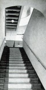 Hotel Avion - Schodiště do kavárny - foto: archiv redakce