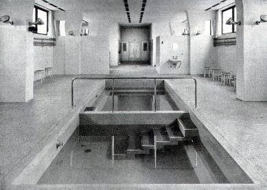 Městské lázně - Bazén v parních lázních - foto: archiv redakce