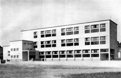 Obecná a měšťanská Škola v Brně-Masarykově čtvrti - foto: archiv redakce