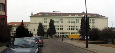 Obecná a měšťanská Škola v Brně-Masarykově čtvrti - Současný stav - foto: © archiweb.cz, 2005