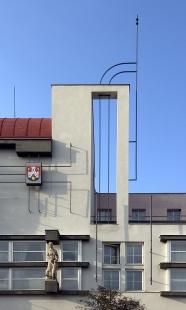 Okresní dům s poštou - foto: Ester Havlová