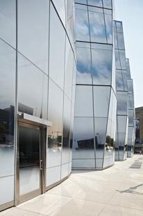 InterActiveCorp Headquarters - foto: © Štěpán Vrzala, 2007