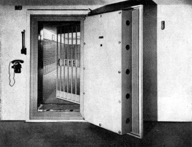 Administrativní a nájemný dům První Moravské Spořitelny - Trezor - foto: archiv redakce