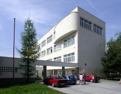 Obecná a měšťanská škola - Současný stav - foto: © archiweb.cz, 2003