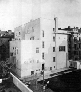 Administrativní budova Žilinské a Ladecké portlandcementové továrny - foto: archiv redakce