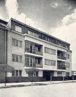 Obytný dům spořitelny - foto: archiv redakce