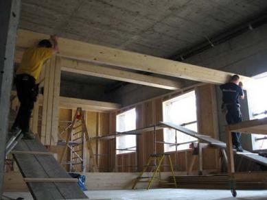 """Užitné prostory pod mostem """"Dreirosen"""" - Osazování stropních panelů - foto: © Jura Oplatek Architekt VUT/ SIA"""