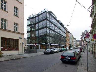Apartment and commercial building Herrnstrasse - foto: Petr Šmídek, 2001