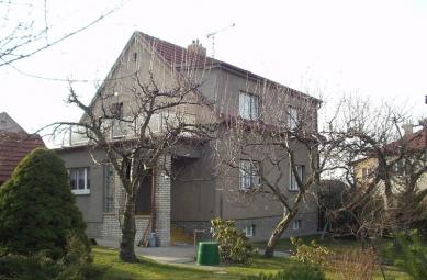 Rekonstrukce rodinného domu, Praha 6 - Původní stav domu - foto: Atelier K2