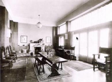 House and studio for Tristan Tzara - Interiér salónu