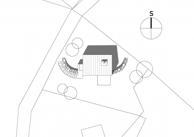 Dům ve svahu - Situace - foto: © Vladimír Balda