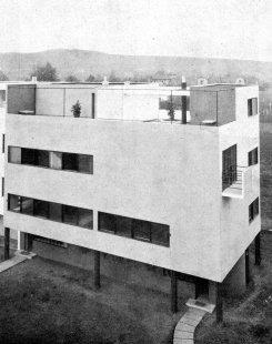 Dvojdům v kolonii Nový dům - Vlevo dům M. Putny, vpravo H. Foltýna - foto: archiv redakce