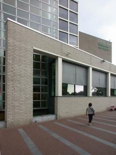 Vincent van Gogh Museum addition - Hlavní budova z roku 1973 od G.T.Rietvelda - foto: © Petr Šmídek, 2003
