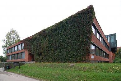 TKK hlavní budova - foto: © Petr Šmídek, 2007