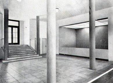 Husův sbor církve československé - Vstup do přednáškového sálu - foto: archiv redakce