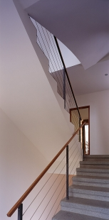 Villa Restoration and Reconstruction, Roztoky  - Vnitřní schodiště - foto: © Vasil Stanko, 2007