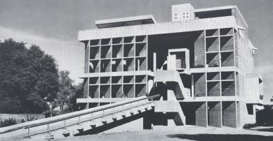 Millowners' Association Building - Historický snímek - foto: archiv redakce