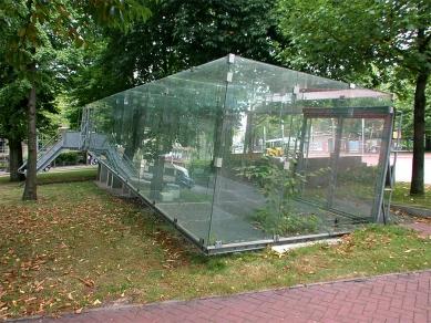 Glass Video Gallery - foto: © Petr Šmídek, 2003