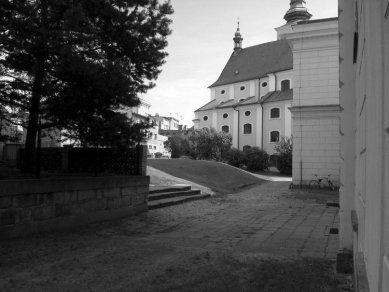 Rekonstrukce Kostelního náměstí v Broumově - Původní stav - foto: David Chmelař architekti