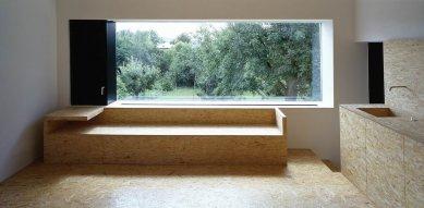 Dům s oknem - foto: Ester Havlová