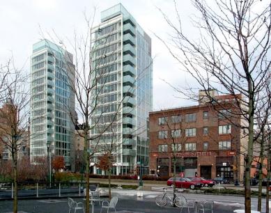 Charles Street Apartments - Fotografie předchozího objektu z 2. března 2003