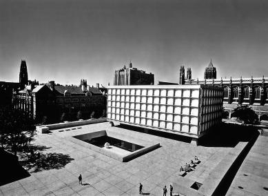 Beinecke Rare Book and Manuscript Library - Historický snímek - foto: © Ezra Stoller/EZRA