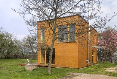 Dům mezi stromy - foto: Ester Havlová