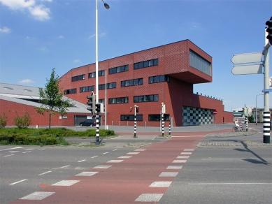 Fire station Breda - foto: Jan Kratochvíl, 2003