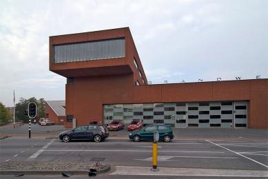 Fire station Breda - foto: Petr Šmídek, 2009