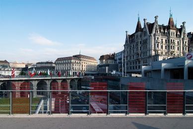 Železnice a autobusové nádraží Lausanne  - foto: Petr Šmídek, 2008