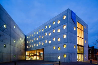 Studijní a vědecká knihovna v Hradci Králové - foto: Andrea Lhotáková