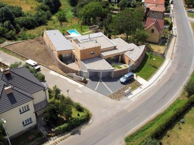Vila v Modřanech - foto: AERODATA s.r.o.