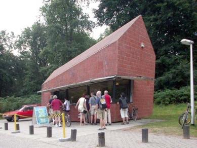 Muzejní areál Kröller-Müller - Cihlová pokladna MVRDV - foto: Petr Šmídek, 2003