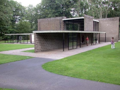 Muzejní areál Kröller-Müller - Pavilon G. Rietveld, 1954 - foto: Petr Šmídek, 2003