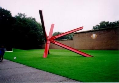 Muzejní areál Kröller-Müller - Mark di Suvero - foto: Jan Kratochvíl, 1998