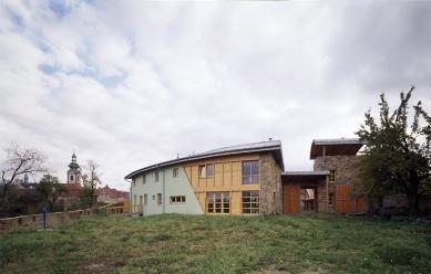 Rodinná usedlost v Kostelci nad Černými lesy - foto: Pavel Štecha