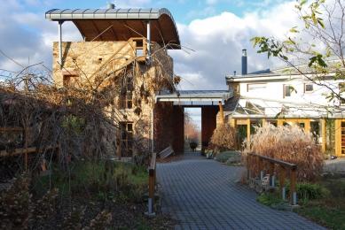 Rodinná usedlost v Kostelci nad Černými lesy - foto: archiv autora