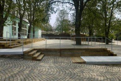Úprava terasy restaurace Archa v ZOO Praha - foto: Ester Havlová
